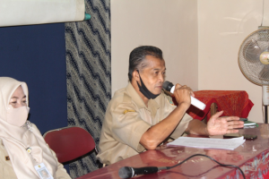 Drs. Harsono, M.Pd bersama Sri Hartati Sarireni, S.Pd., M.Pd.